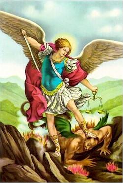 La luz de la conciencia vence a la oscuridad del ego.  La balanza de la Justicia, la Espada de la Verdad y las alas del águila solar dominan al maligno.  La vestimenta de soldado o guerrero sólo la tiene el Ser, su sombra yace desnudo e impotente.